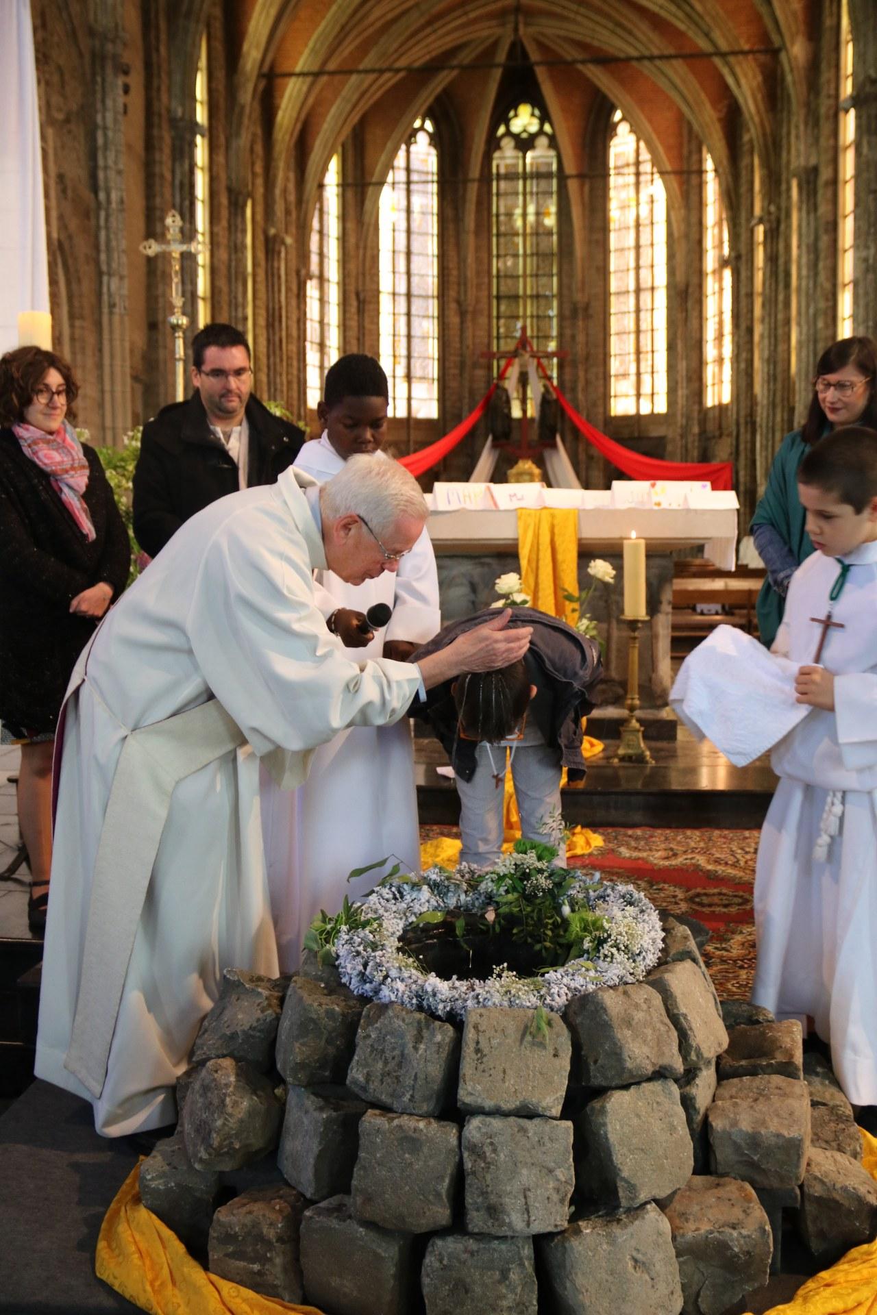 1905_Célébration de baptêmes (7 -12 ans) 69