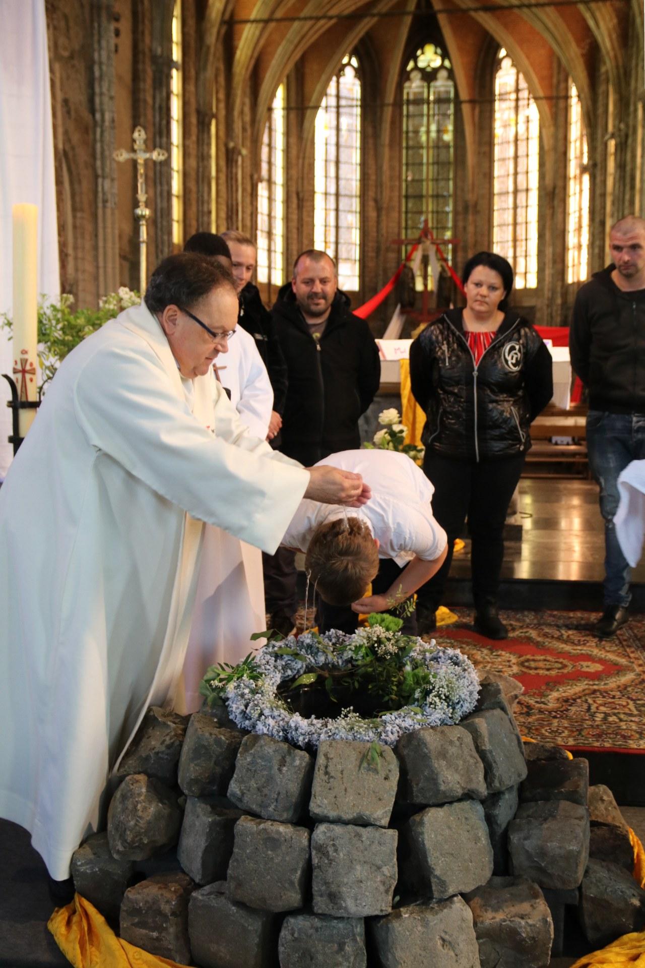 1905_Célébration de baptêmes (7 -12 ans) 77