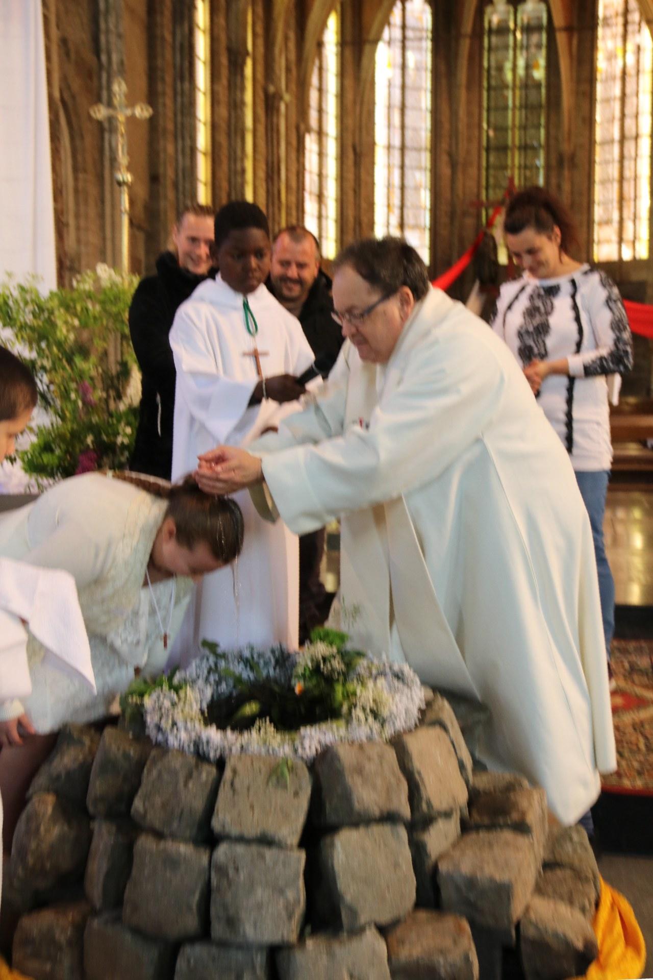 1905_Célébration de baptêmes (7 -12 ans) 79