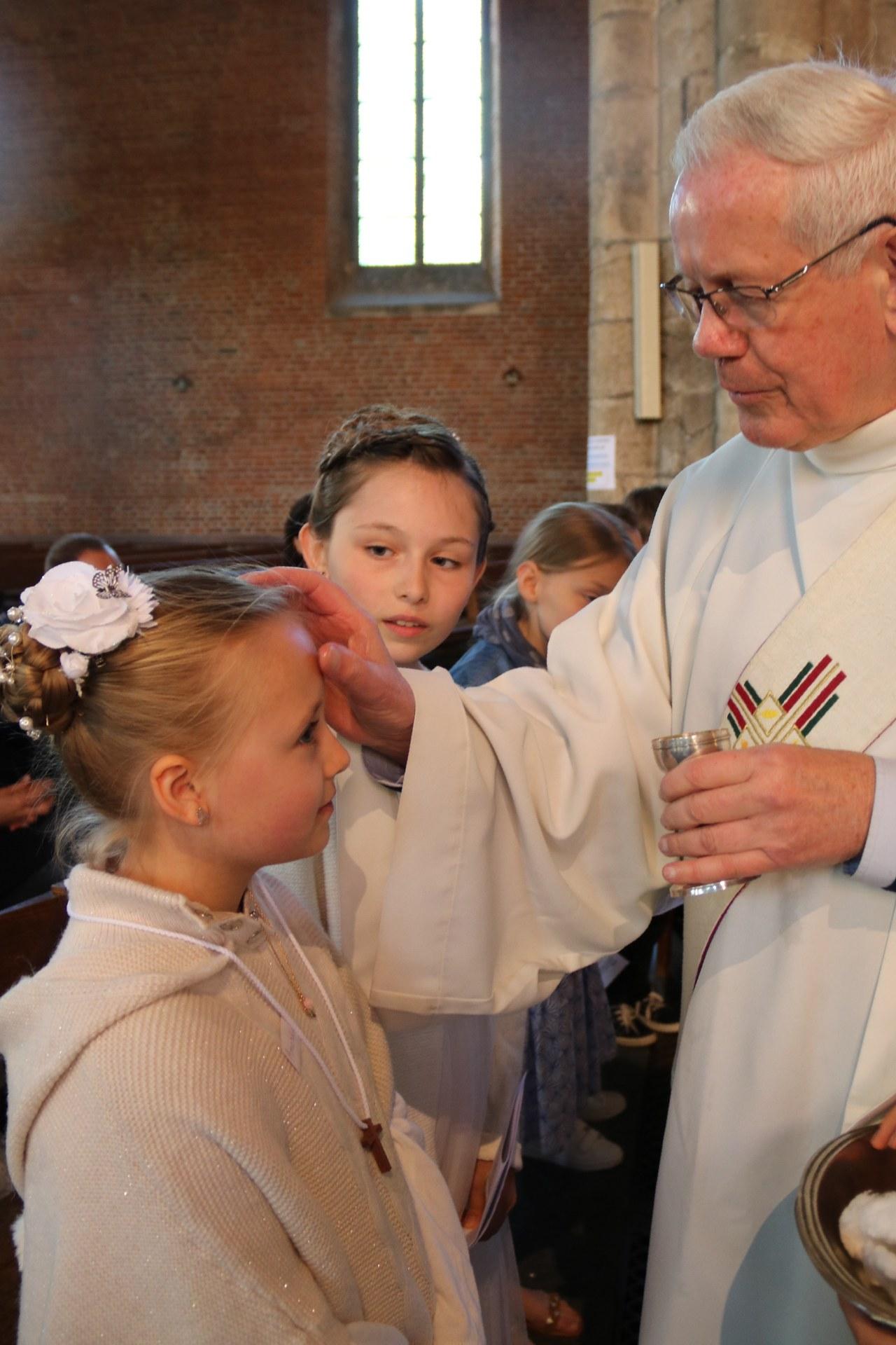1905_Célébration de baptêmes (7 -12 ans) 87