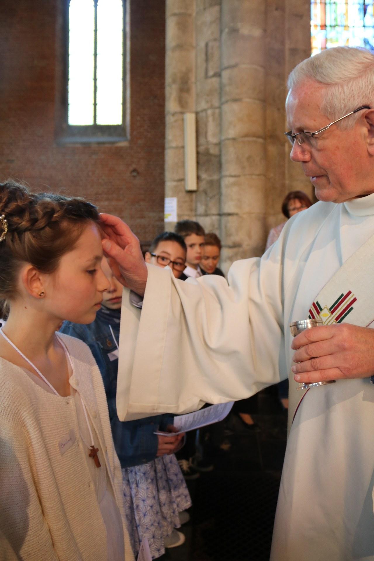 1905_Célébration de baptêmes (7 -12 ans) 88