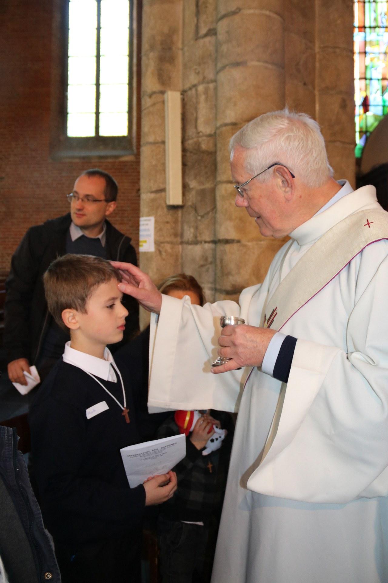 1905_Célébration de baptêmes (7 -12 ans) 91