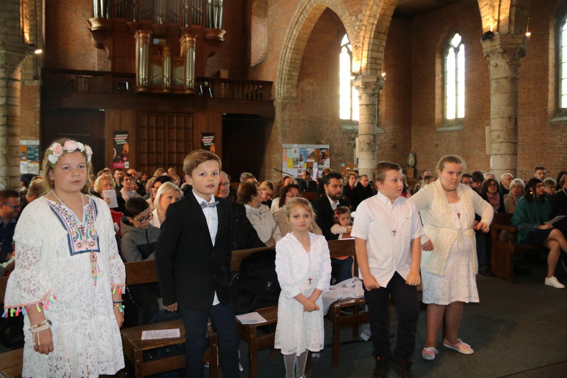1905_Célébration de baptêmes (7 -12 ans) 94