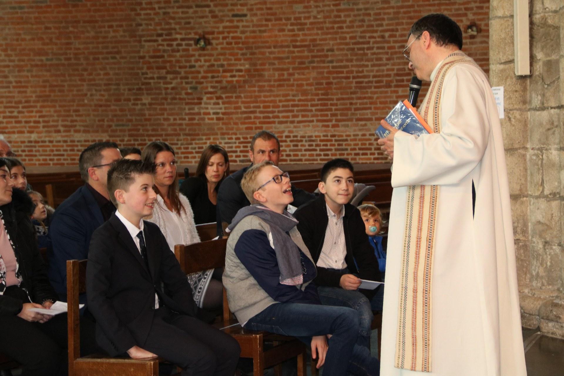 1905_Célébration de baptêmes (collégiens) 14