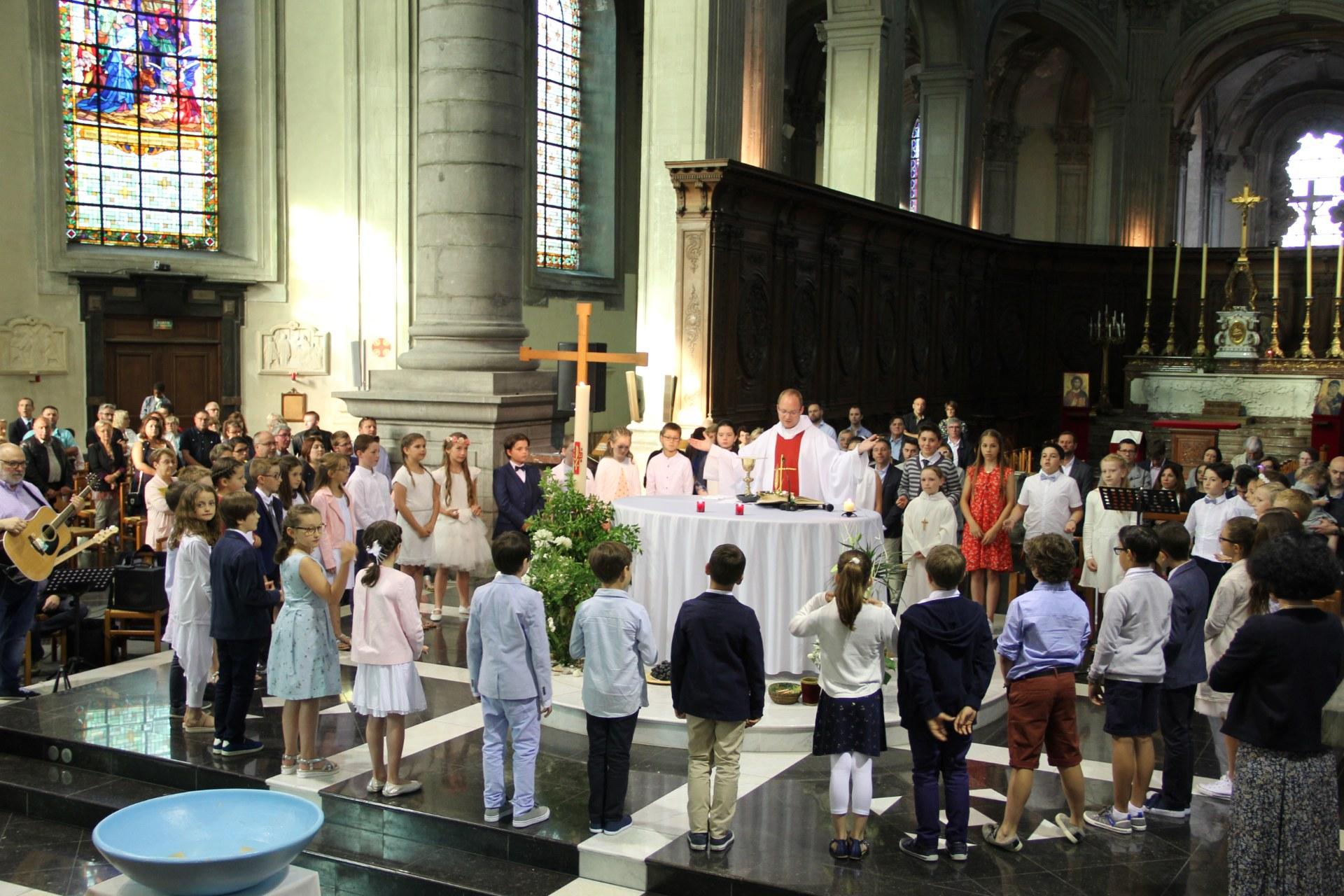 1eres communions Ecole St Bernard 2018 (4)
