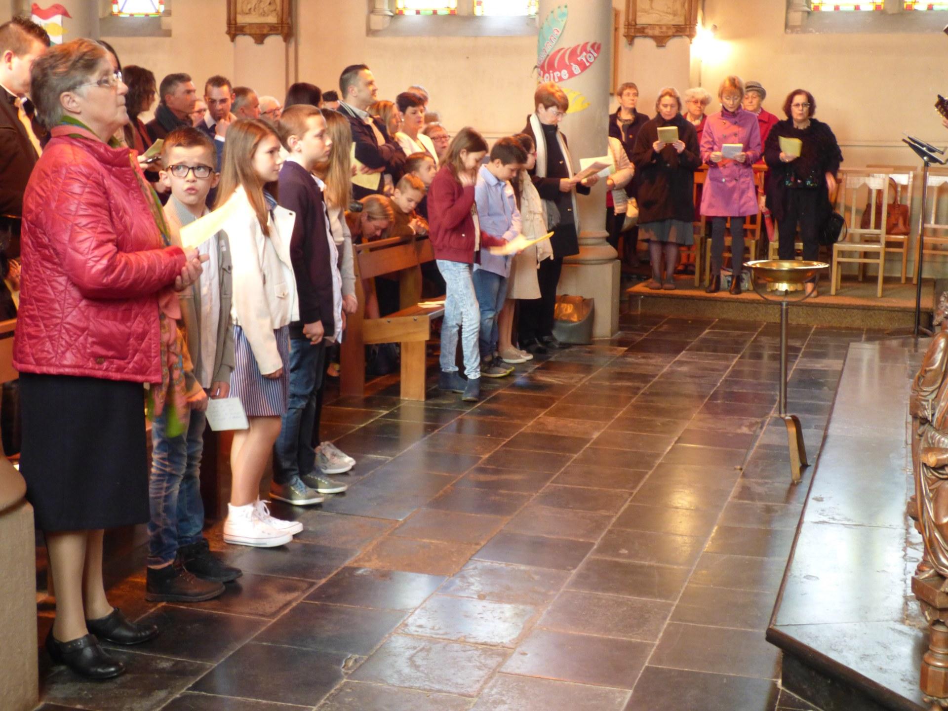 1eres communions Neuville 2018 (11)