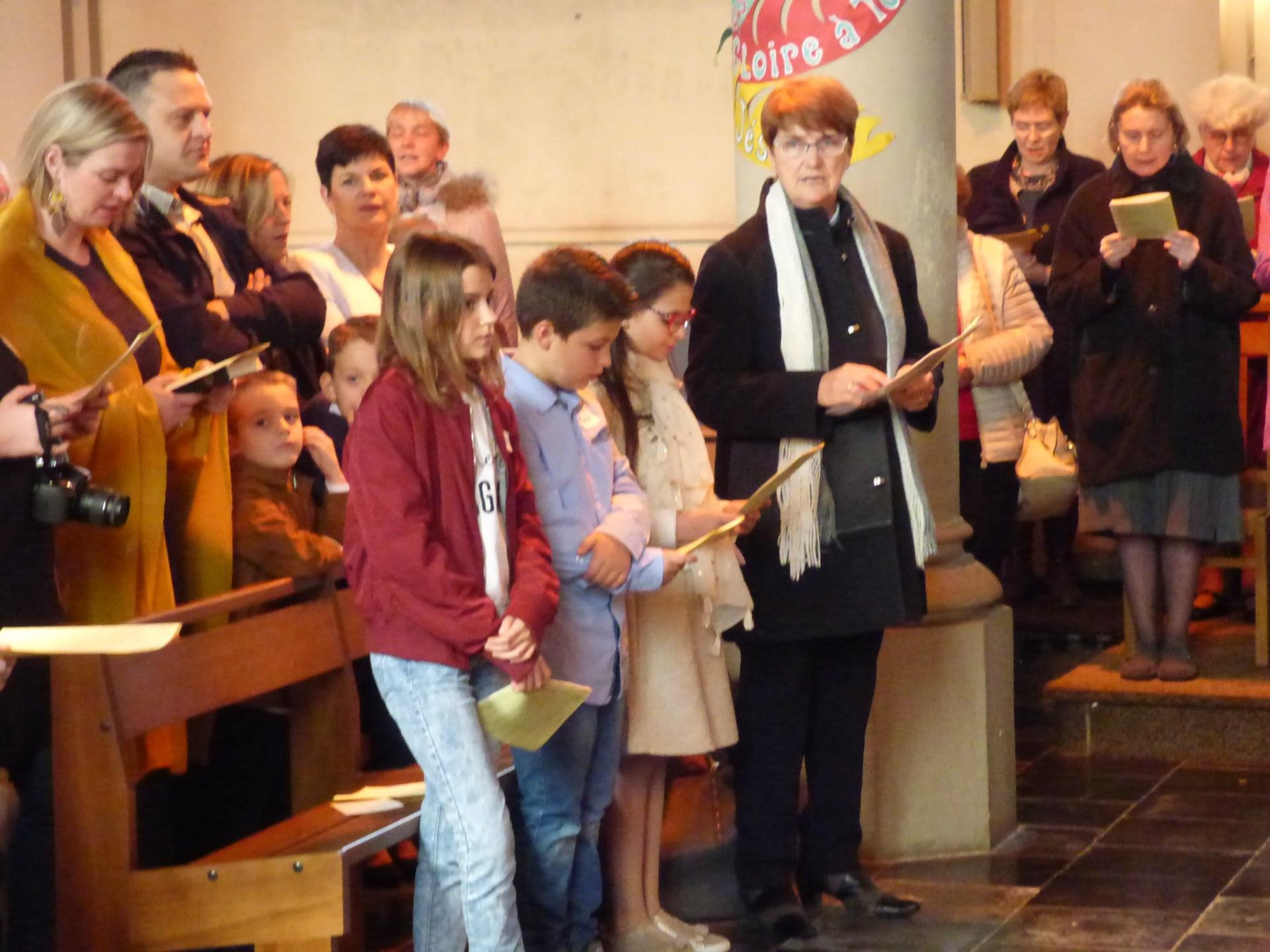 1eres communions Neuville 2018 (14)