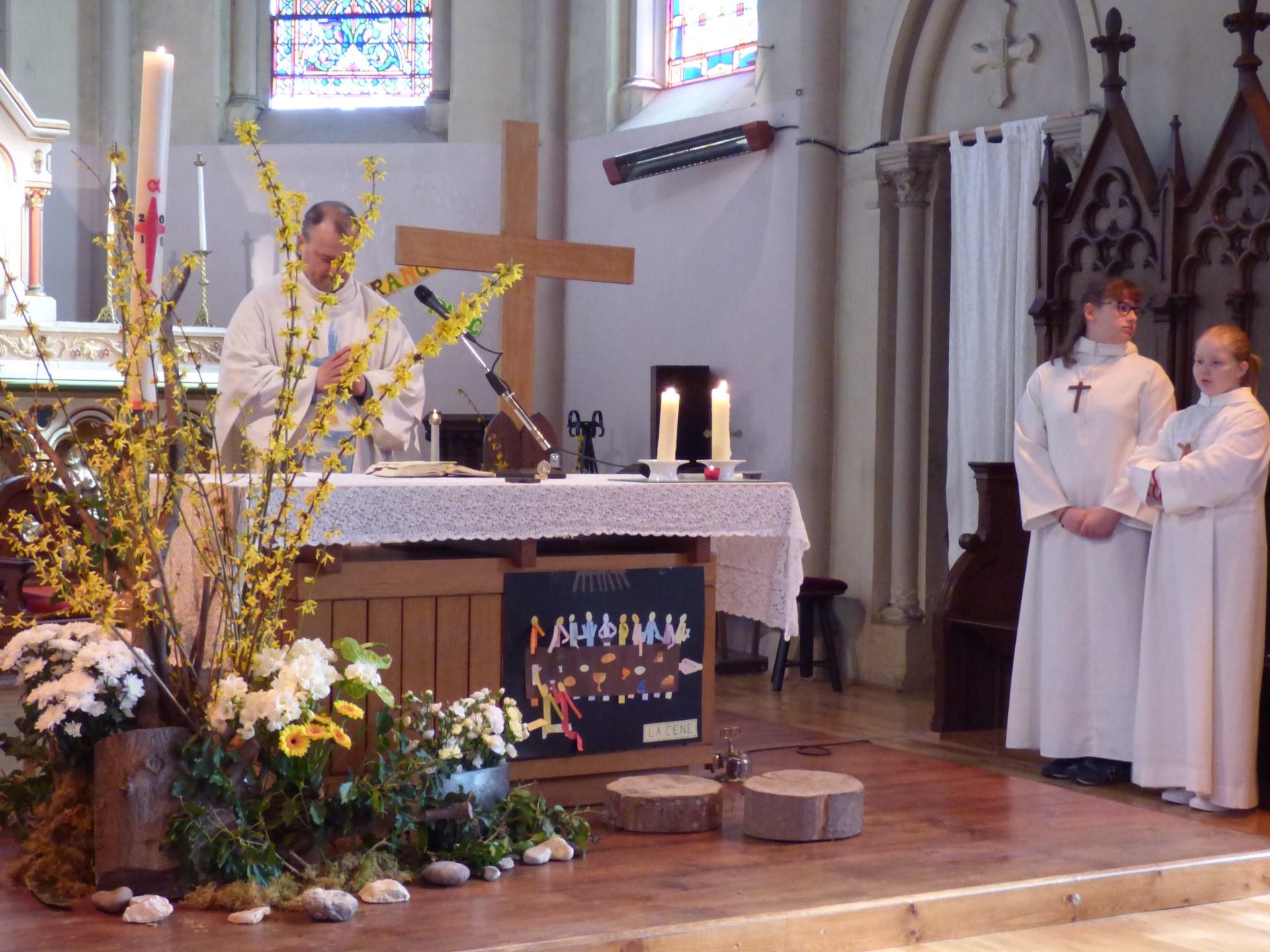 1eres communions Neuville 2018 (15)