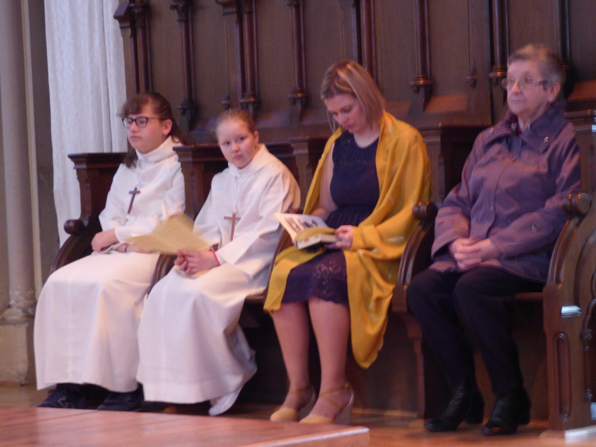 1eres communions Neuville 2018 (19)