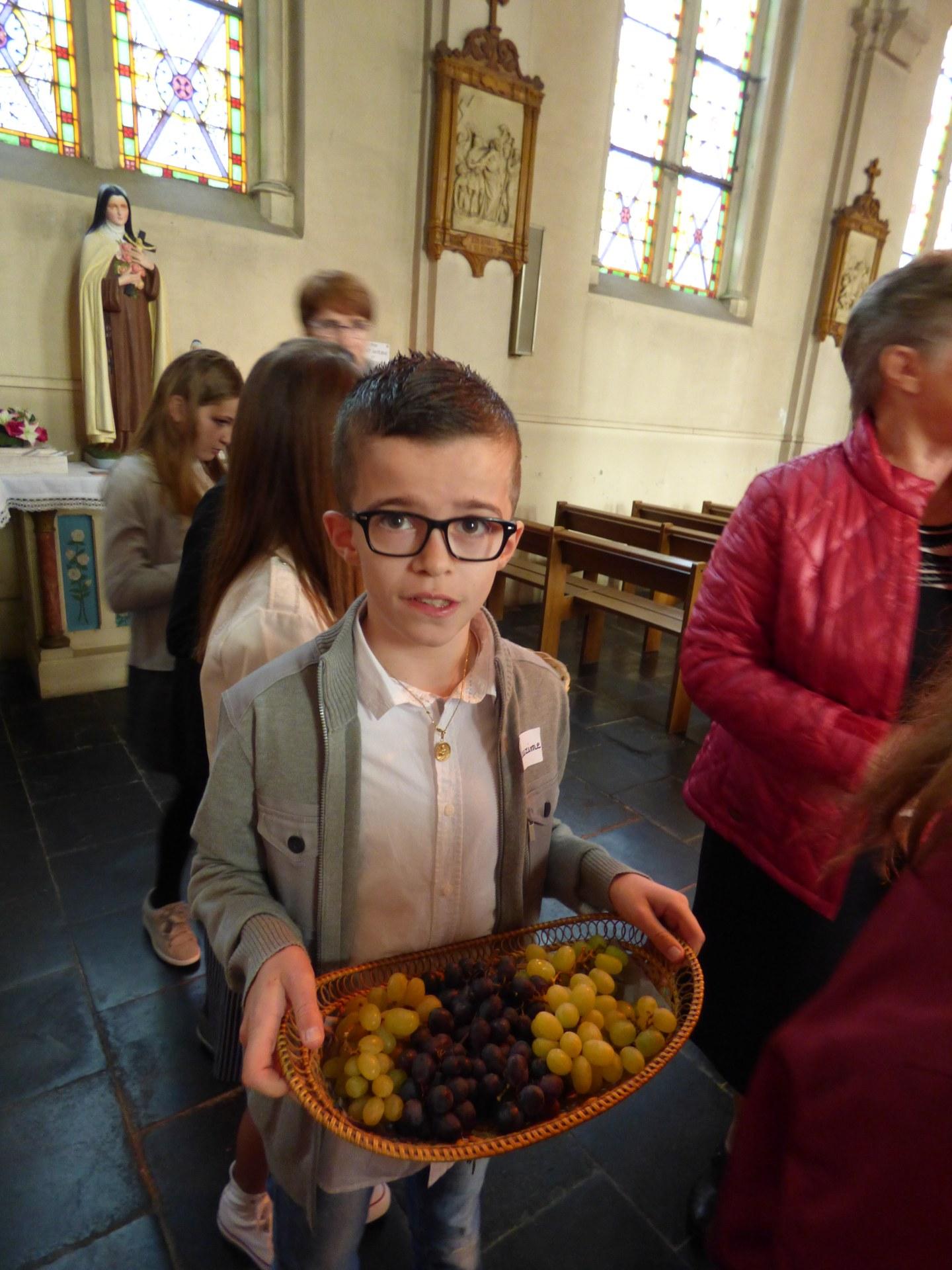 1eres communions Neuville 2018 (29)