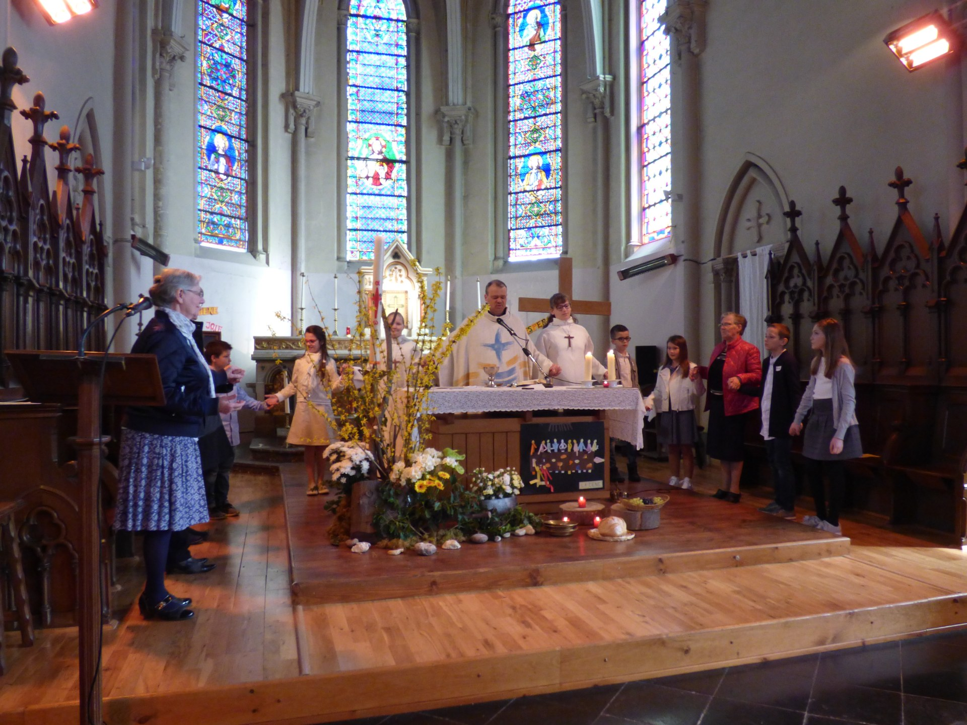 1eres communions Neuville 2018 (35)