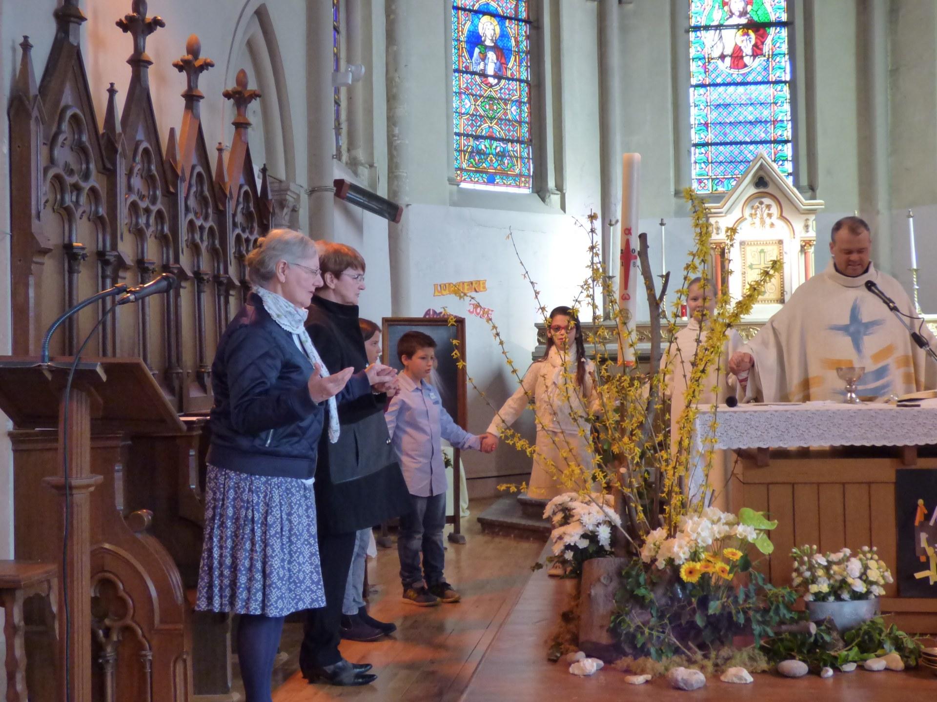 1eres communions Neuville 2018 (37)