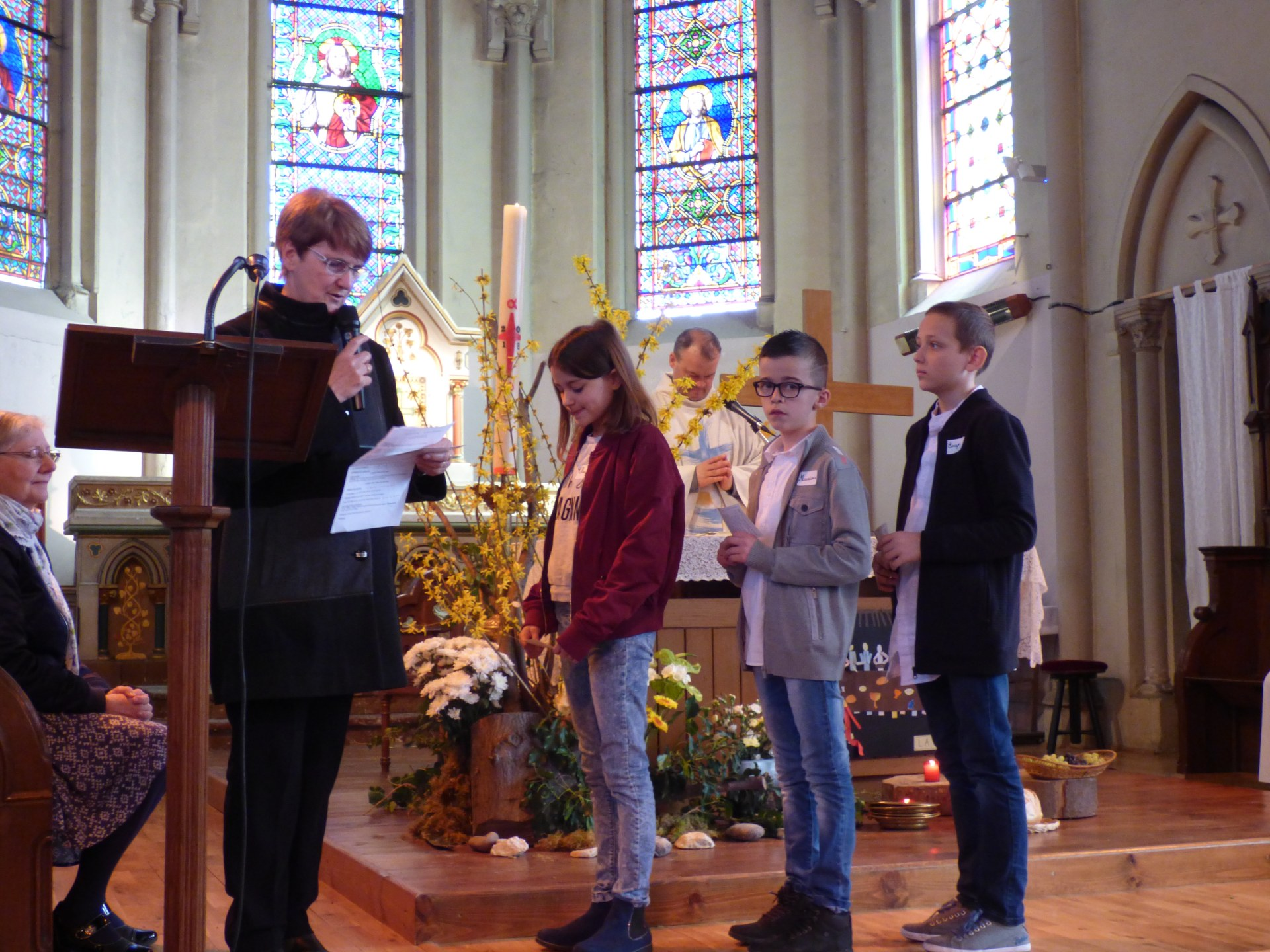 1eres communions Neuville 2018 (38)