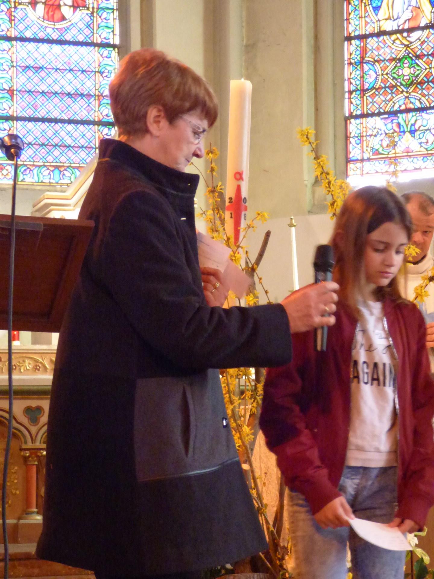 1eres communions Neuville 2018 (40)