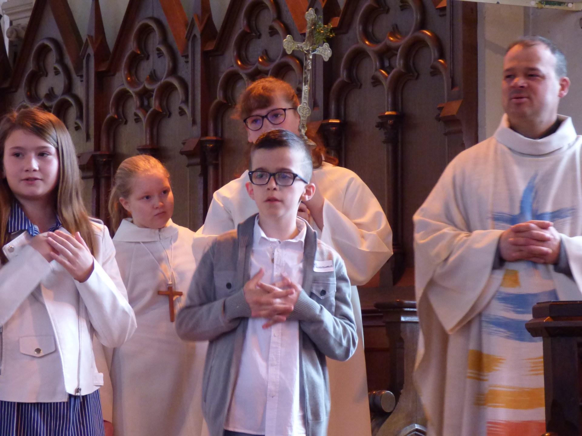 1eres communions Neuville 2018 (52)