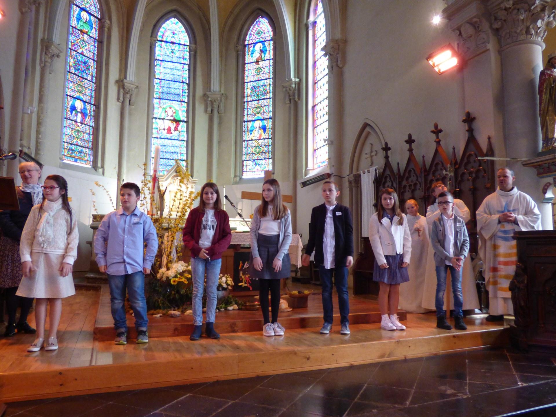 1eres communions Neuville 2018 (53)