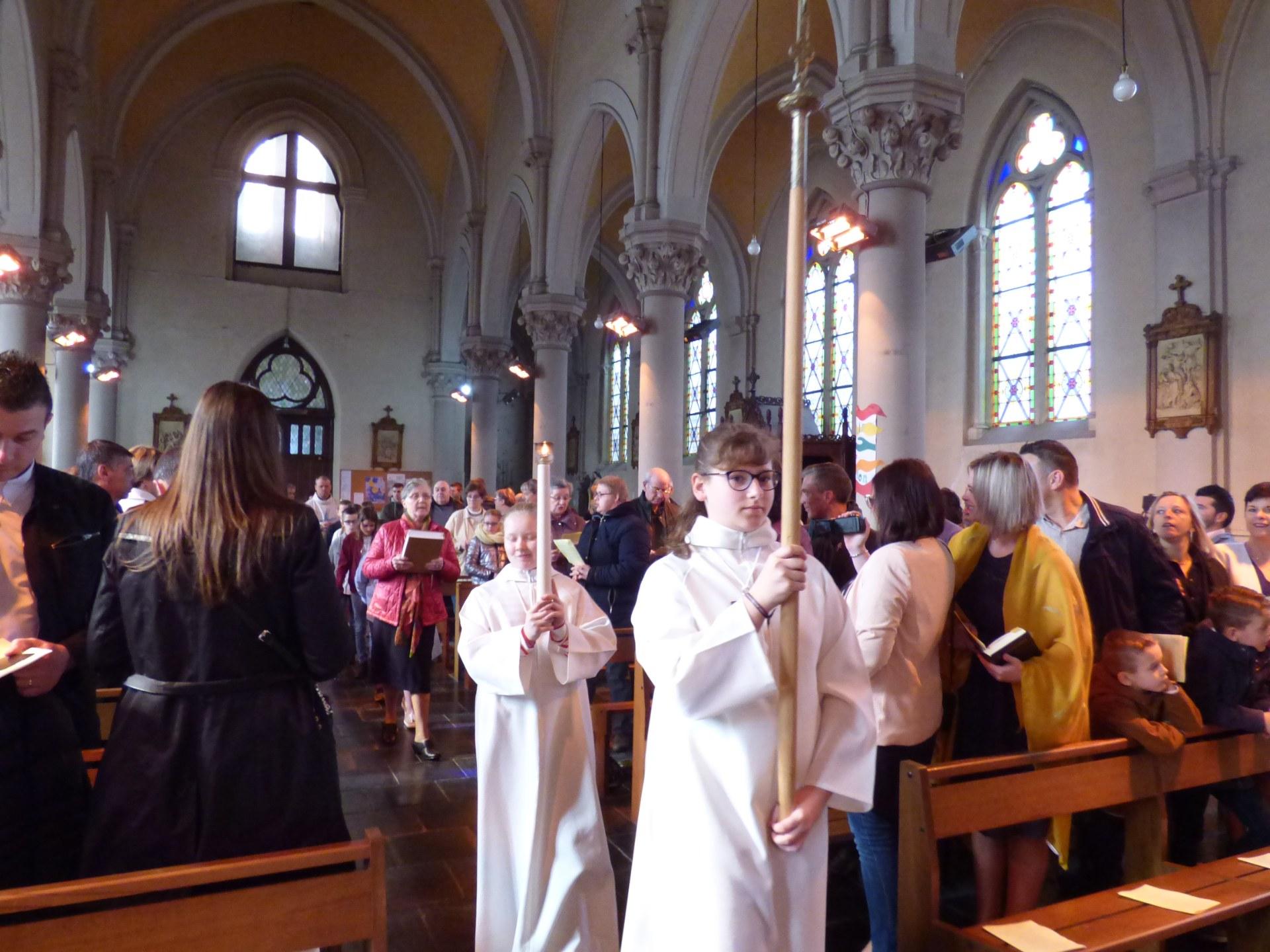 1eres communions Neuville 2018 (2)