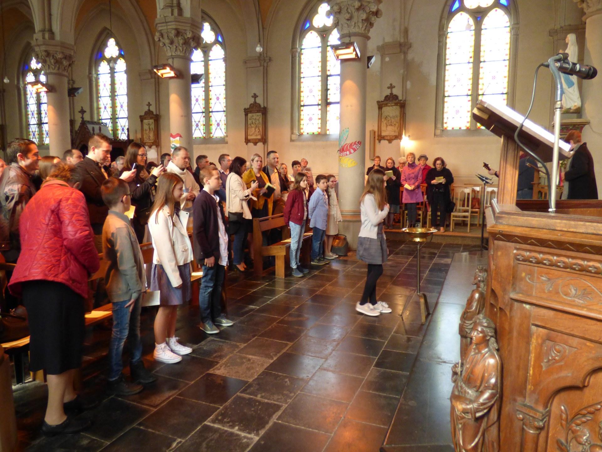 1eres communions Neuville 2018 (7)