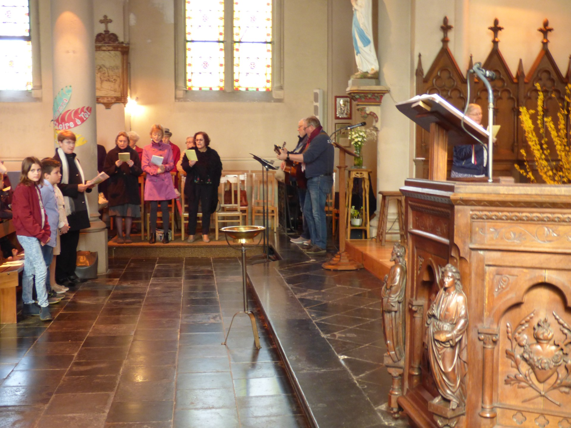 1eres communions Neuville 2018 (9)