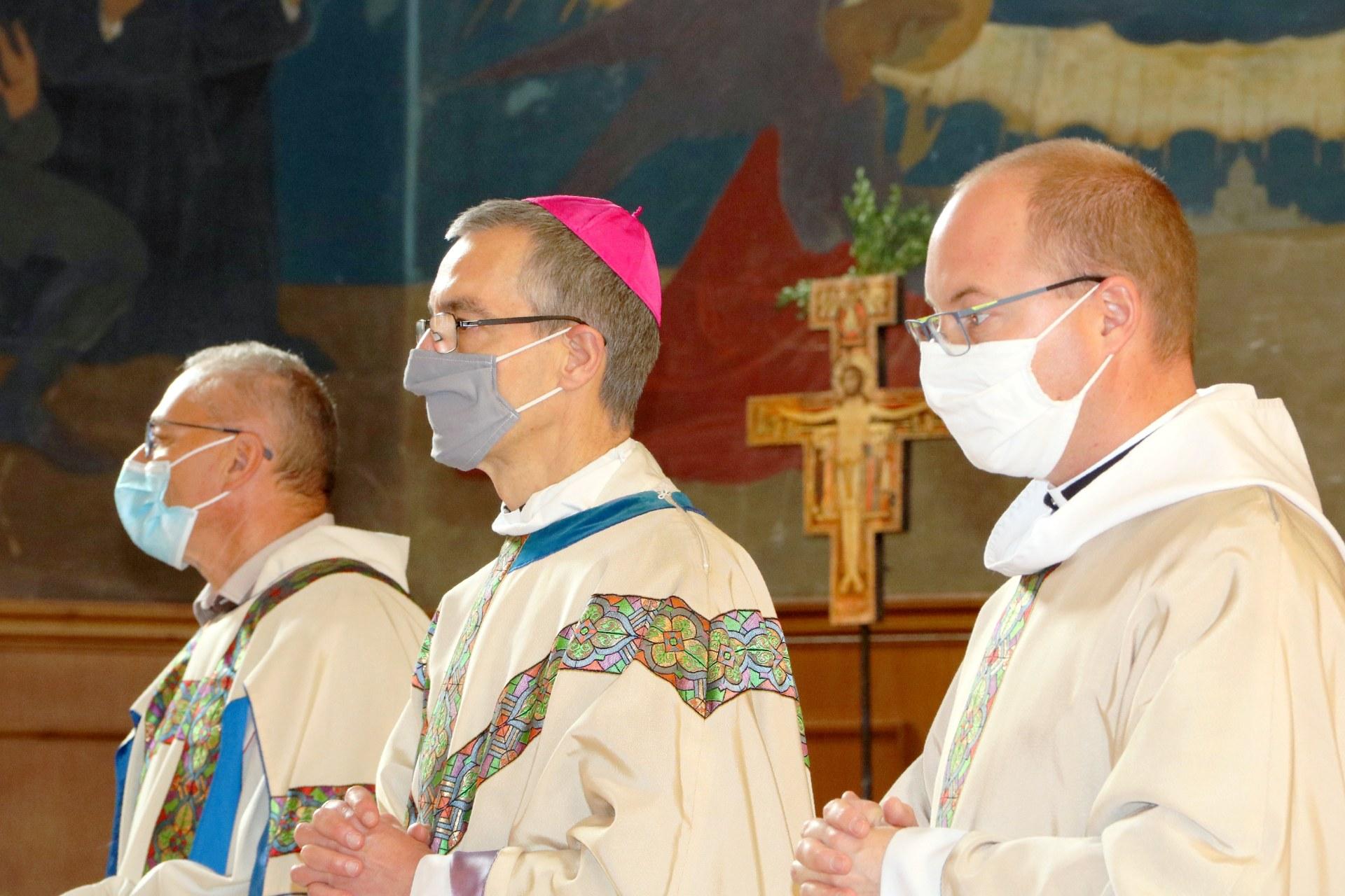 2010 - Messe présidée par Mgr DOLLMANN 25