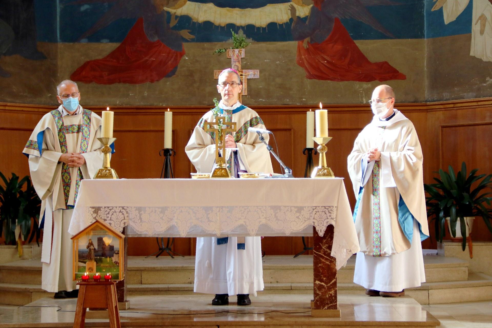 2010 - Messe présidée par Mgr DOLLMANN 45