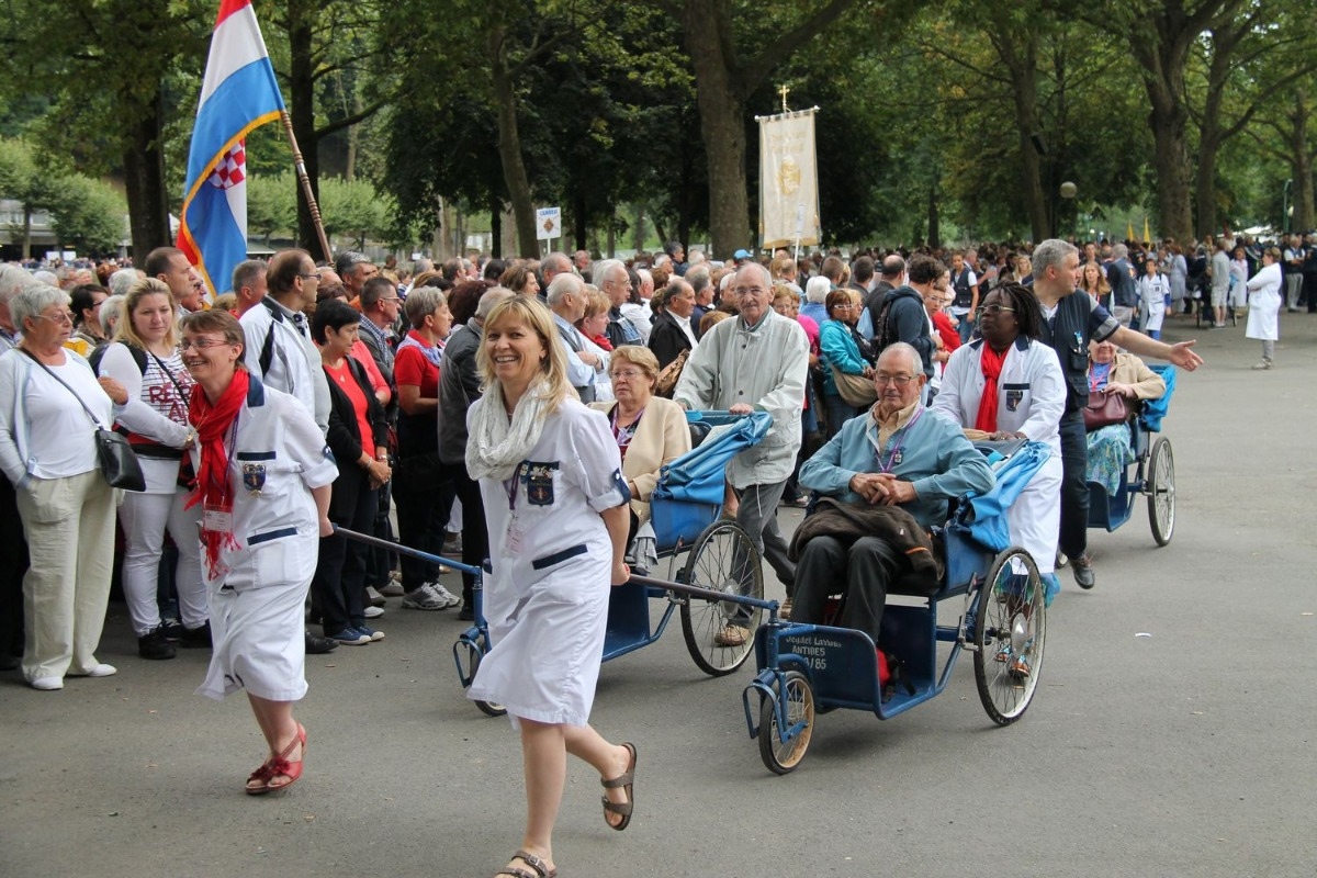 2014_procession_eucharistique 19