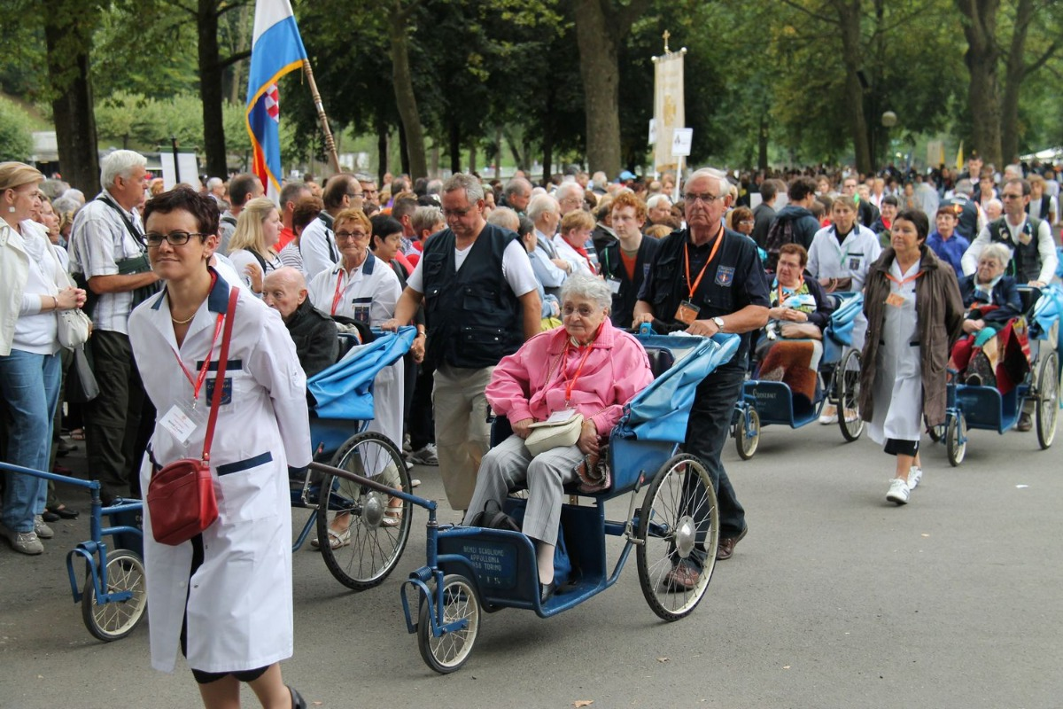 2014_procession_eucharistique 41
