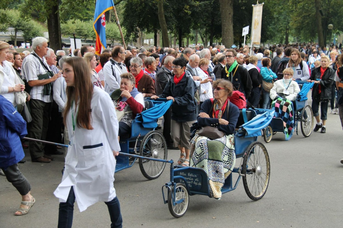 2014_procession_eucharistique 43