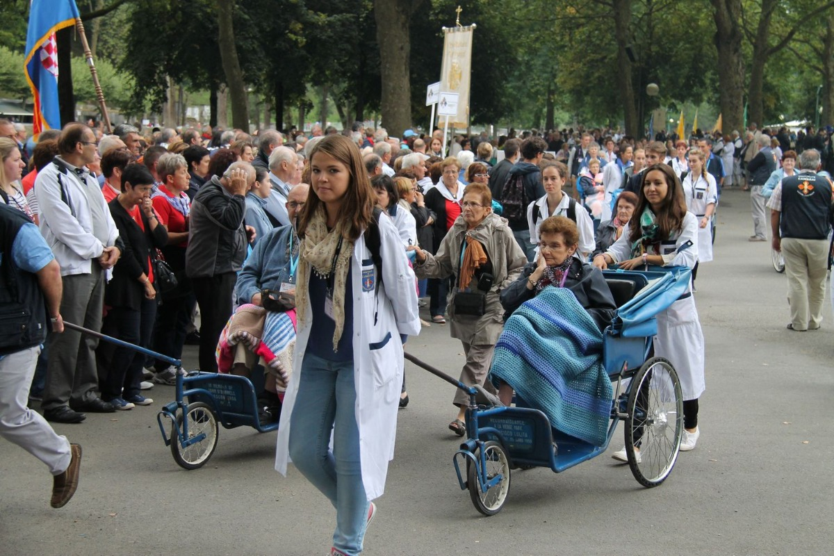 2014_procession_eucharistique 46