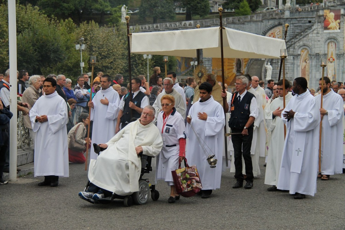 2014_procession_eucharistique 73