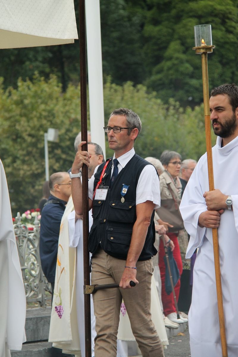 2014_procession_eucharistique 76