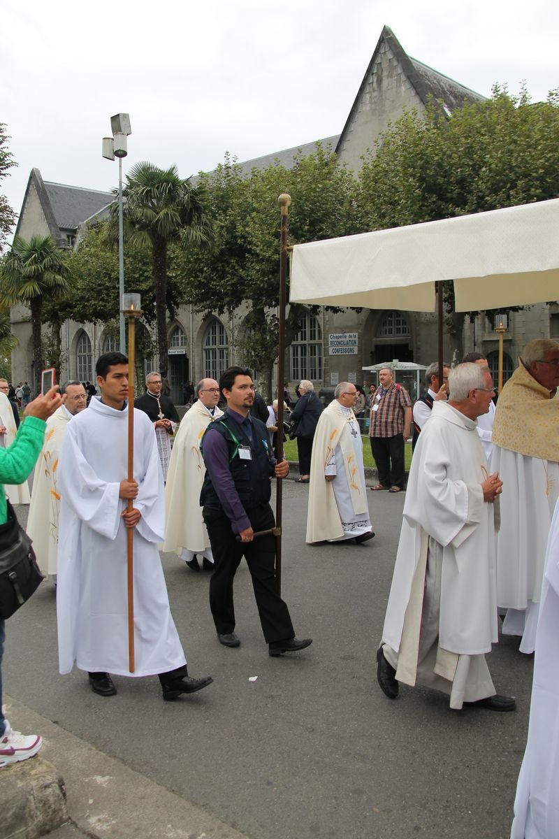 2014_procession_eucharistique 81