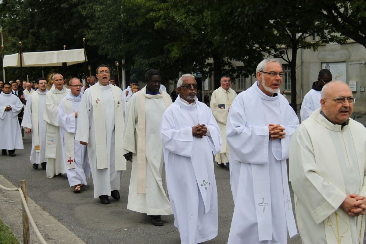 2014_procession_eucharistique 85