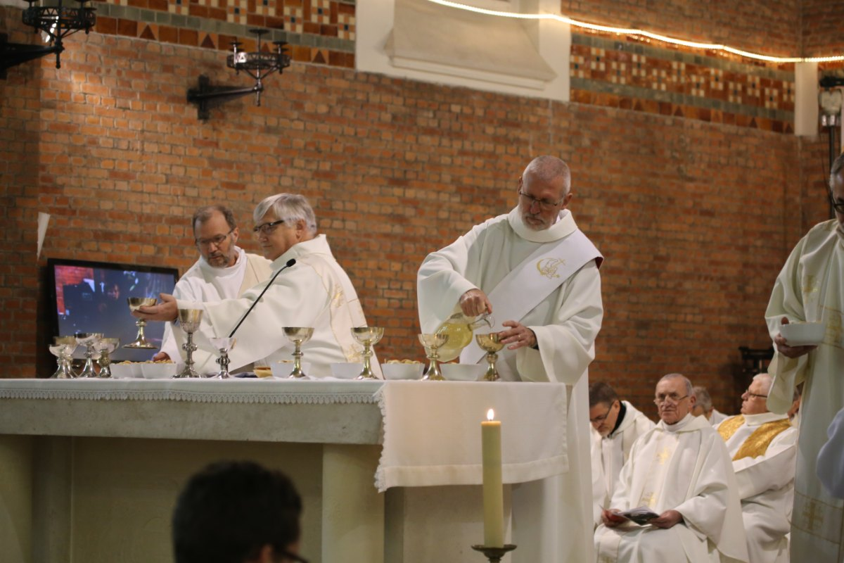 2015 11 22 Ordination Diacres (320)