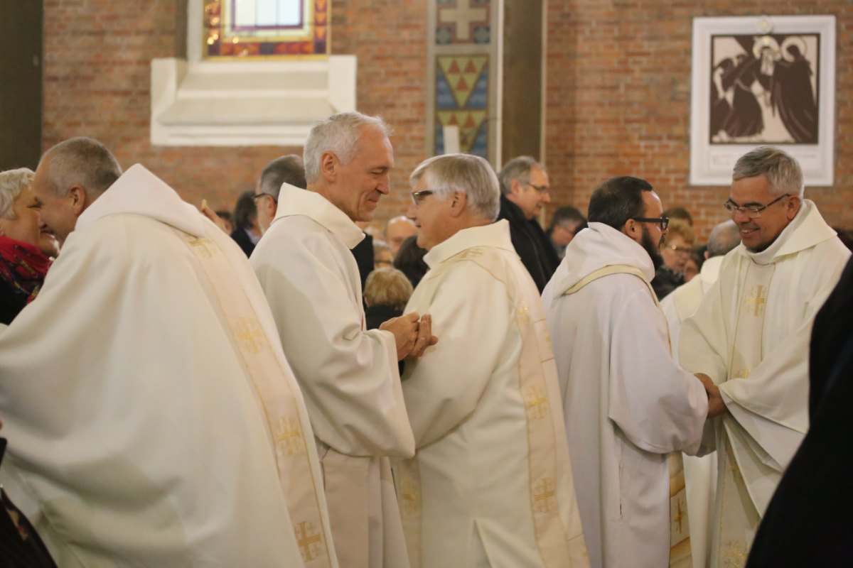 2015 11 22 Ordination Diacres (388)