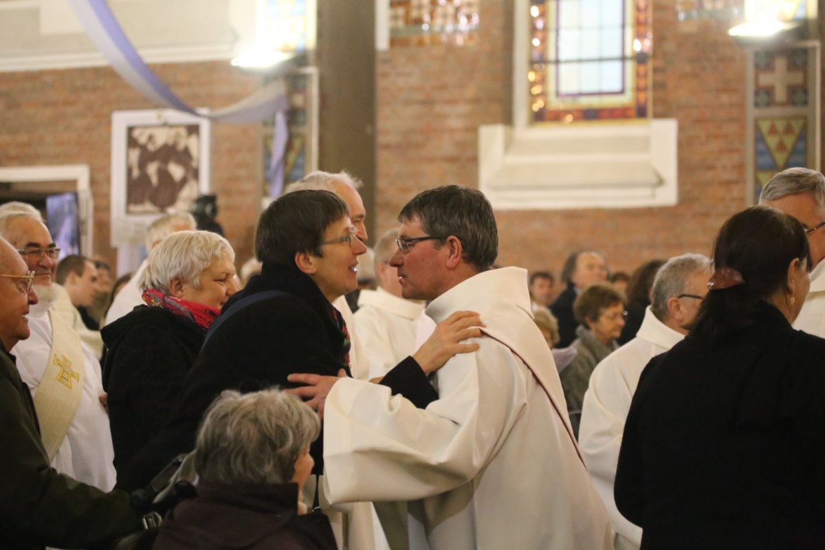 2015 11 22 Ordination Diacres (398)