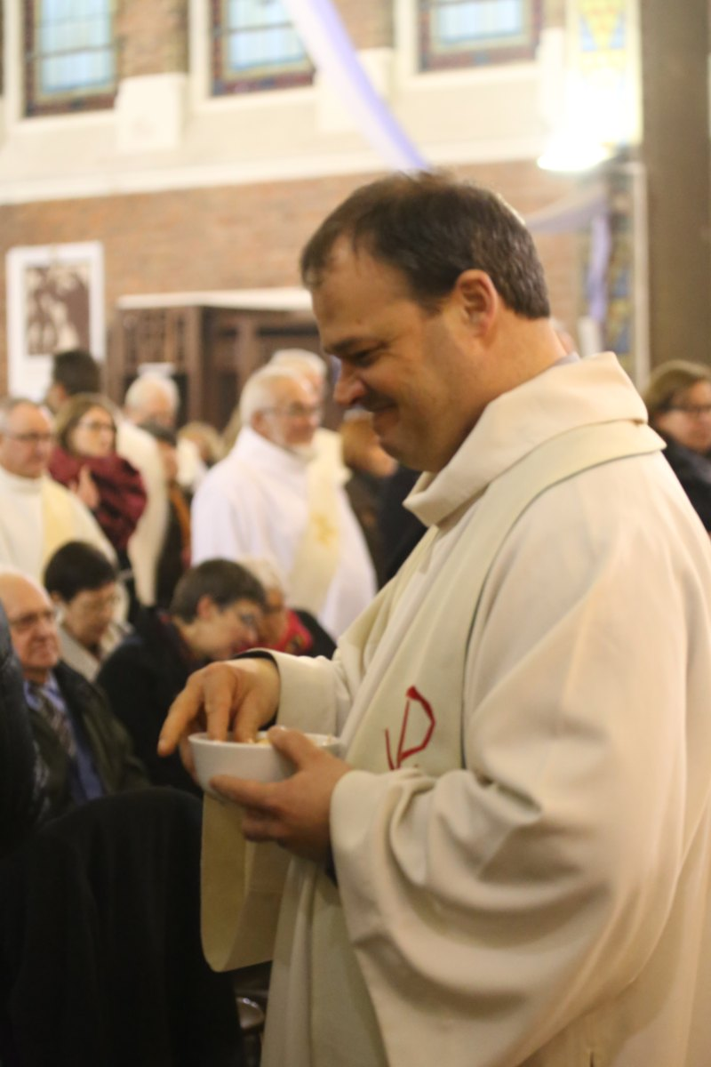 2015 11 22 Ordination Diacres (419)