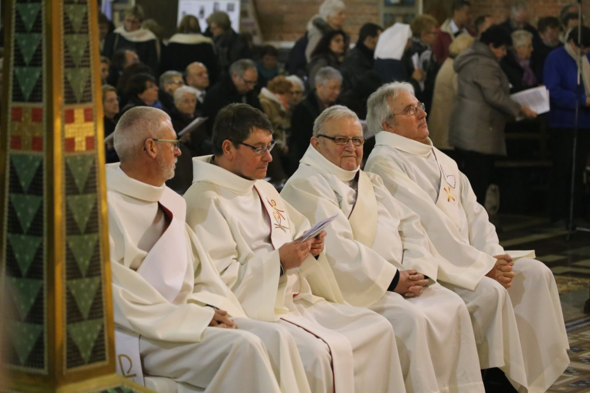 2015 11 22 Ordination Diacres (428)