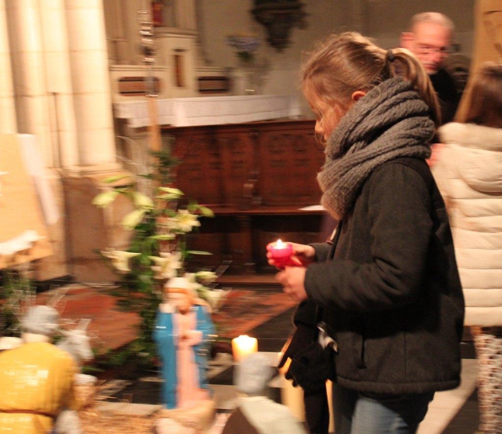 C'est parti ! Bientôt toute l'église St Martin de St Saulve s'illuminera !