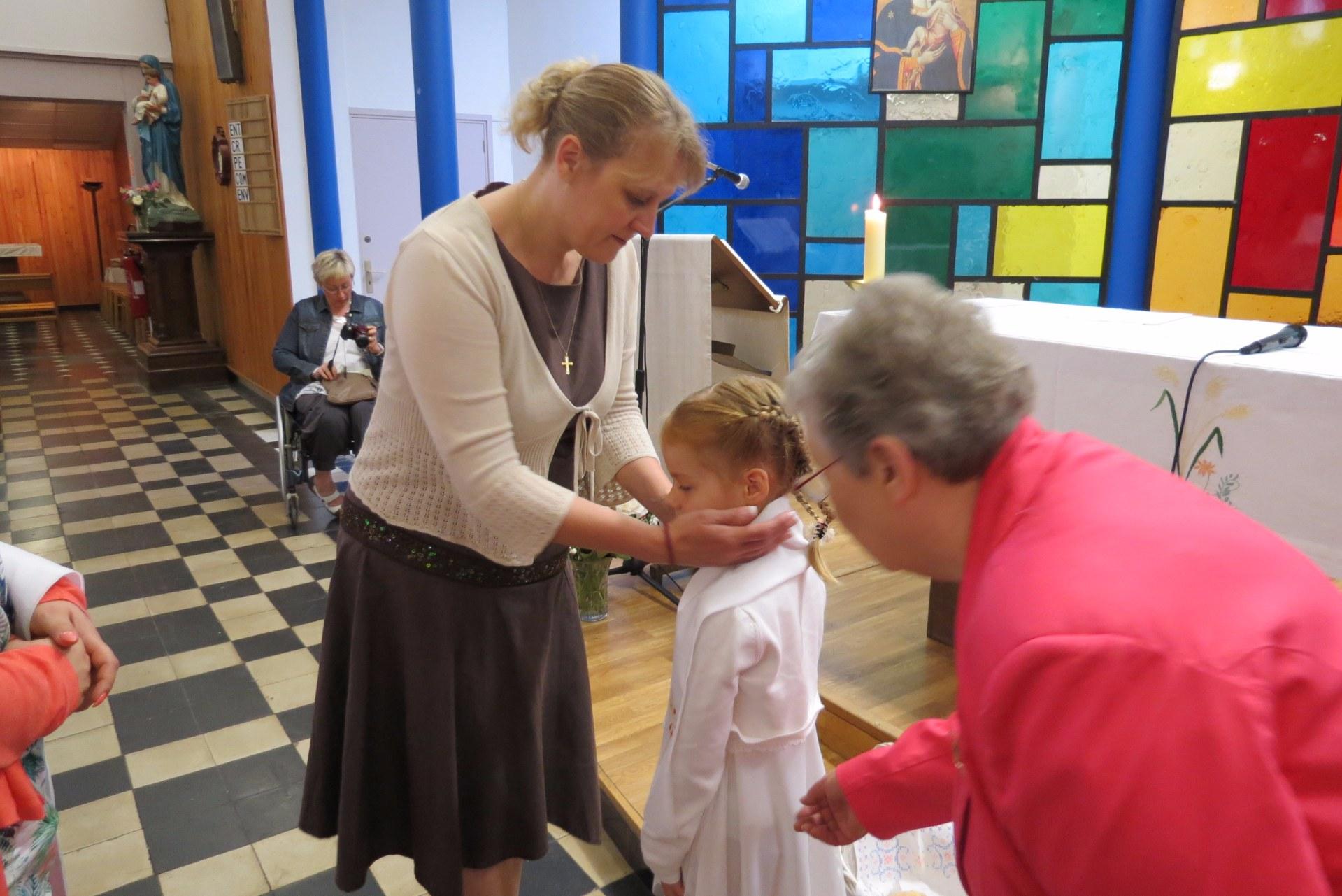 2016-05-29 premieres communions (53)