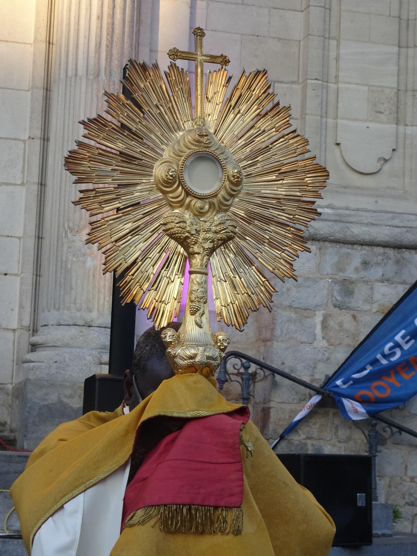 2019-06-08 Veillee de Pentecote (25)