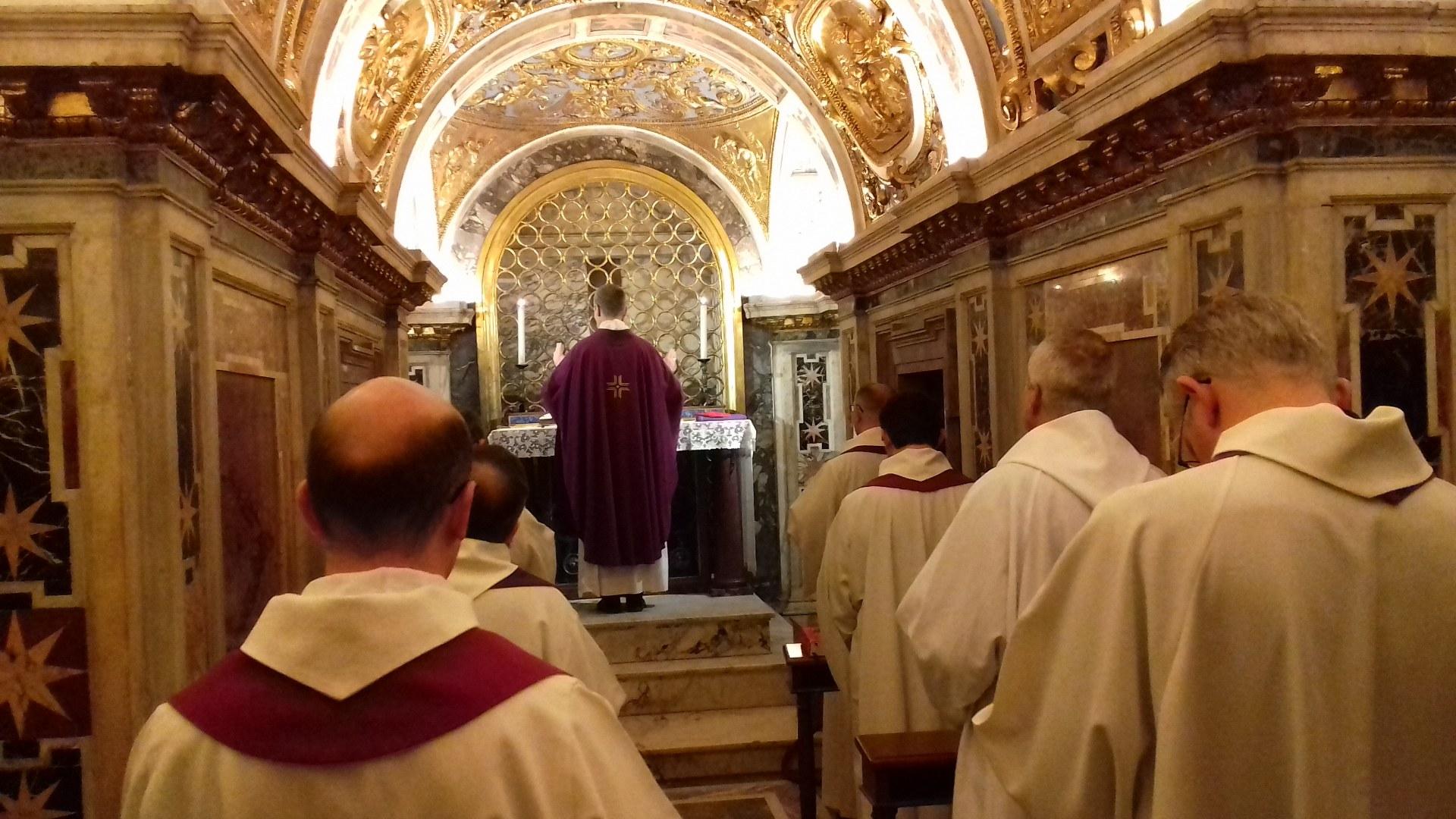 Messe au plus près du tombeau de l'apôtre Pierre