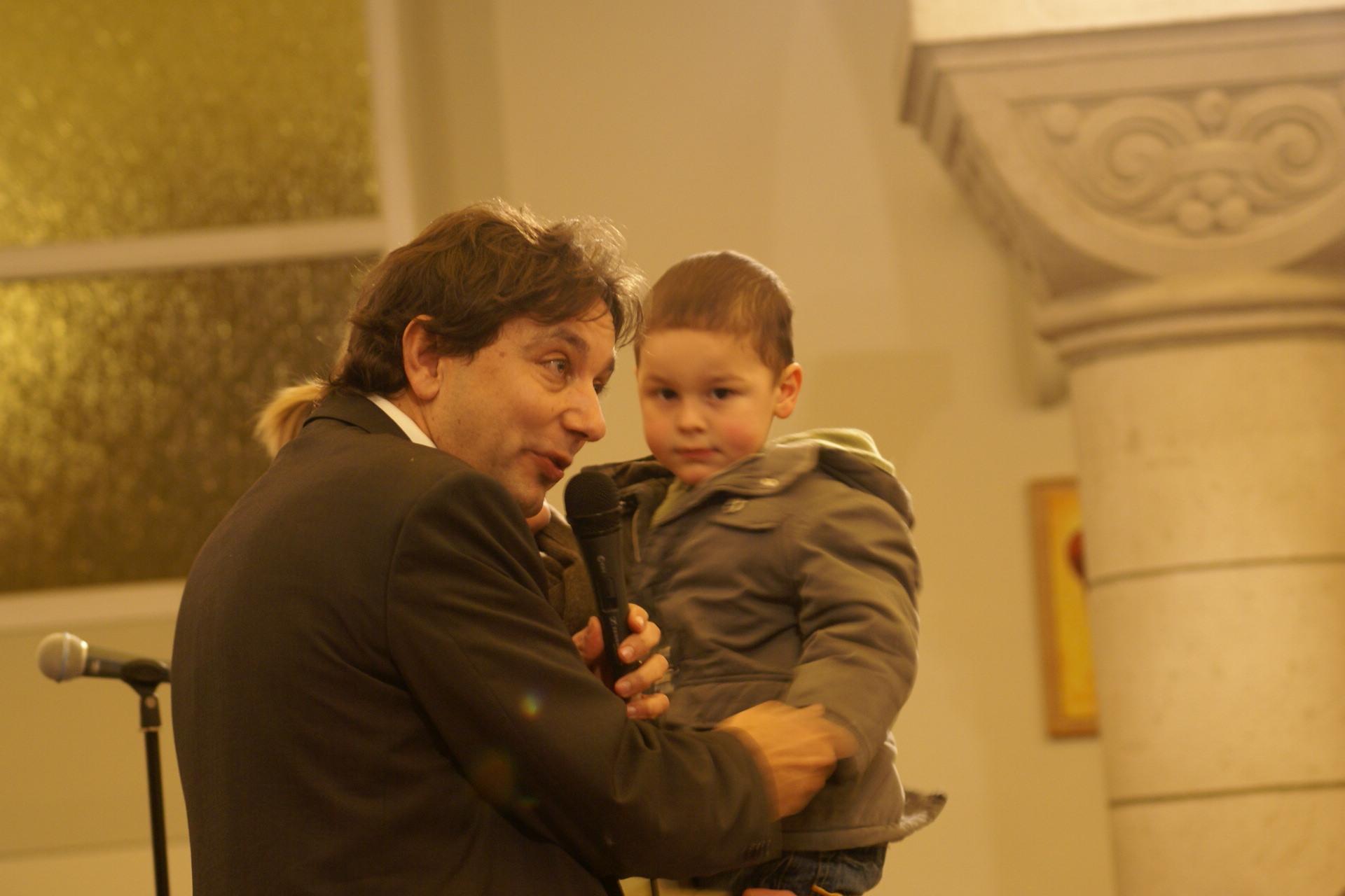 """""""Laissez venir à moi les petits enfants"""" nous dit le Seigneur"""