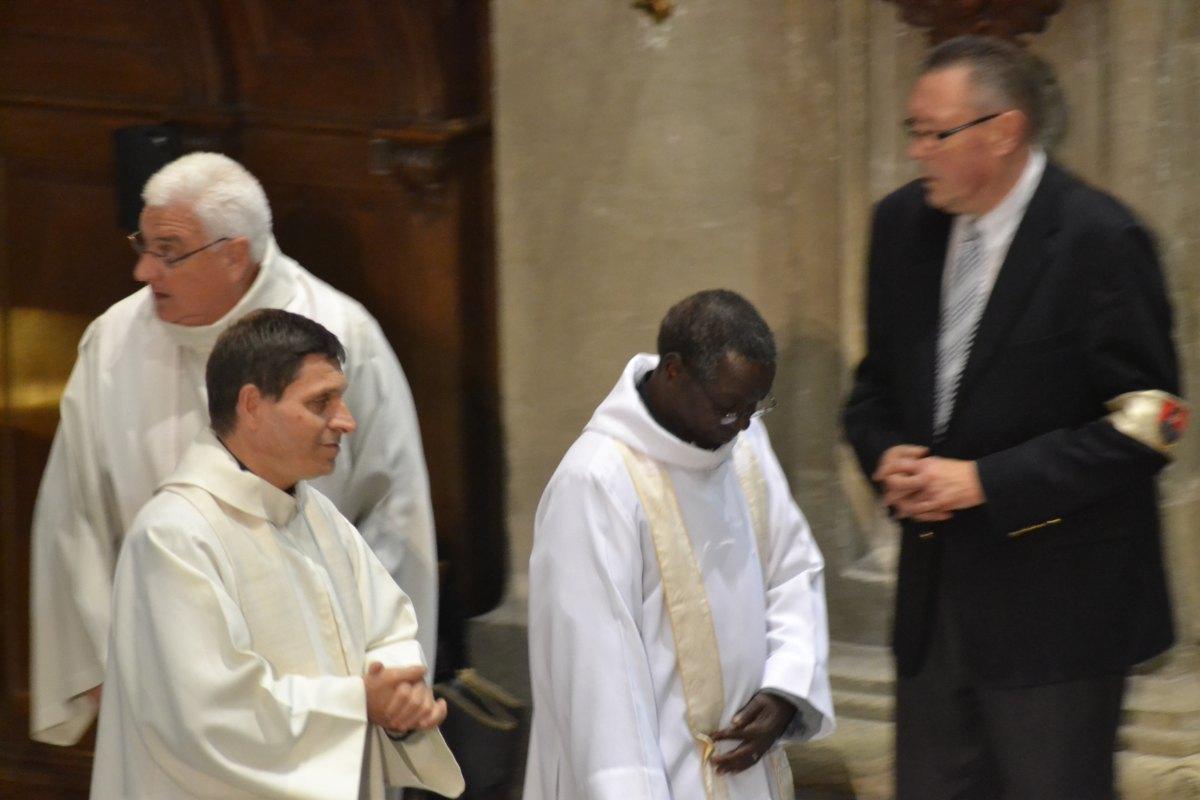 25 ans évêque