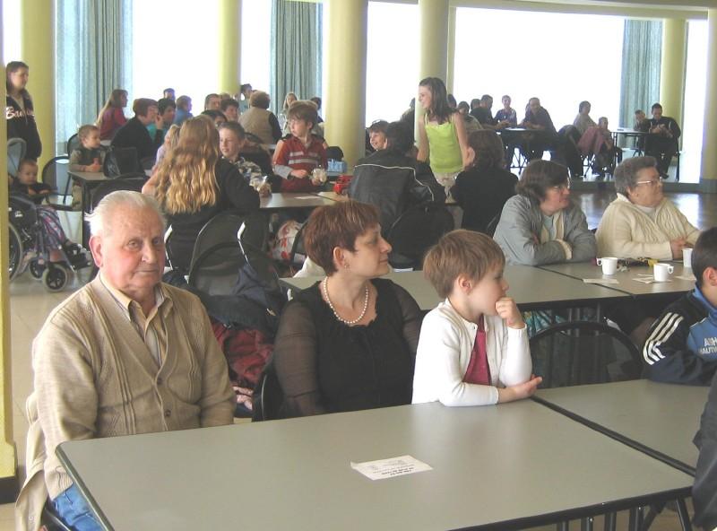 Un public nombreux de familles et amis