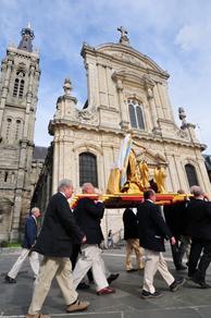 Arrivée à la cathédrale de Cambrai