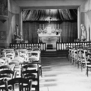 002 1944 Eglise provisoire salle STRHAU NB