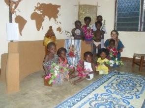 Avec les enfants dans notre chapelle