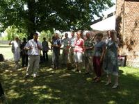 l'équipe relais et l'EAP autour de leur curé, Mathieu Dervaux, le temps du ch'ti