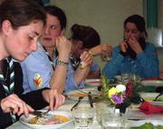 Des cheftaines à table